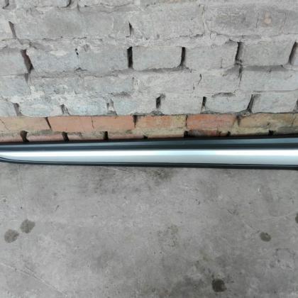 Накладка правой передней двери Mitsubishi Outlander