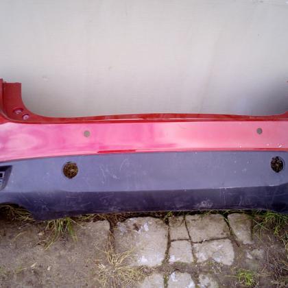 Бампер задний Mazda 3 BL хэтчбек красного цвета оригинал б/у