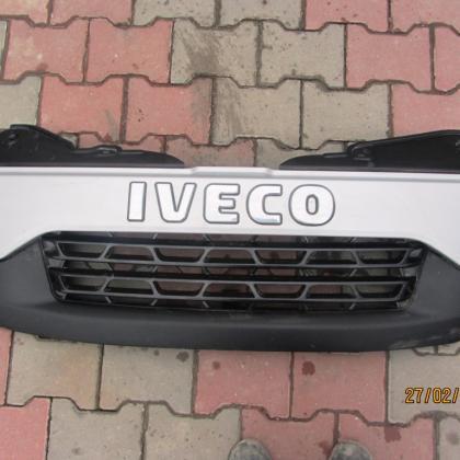 Решетка передняя (радиатора) Iveco 5801342734