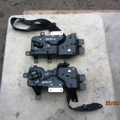 Ремни безопасности с крепежами сидений второго ряда Fiat Doblo 2010-