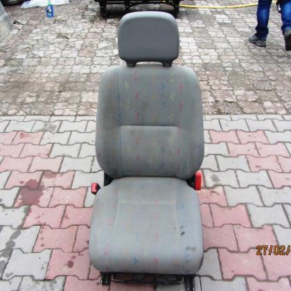 Сиденье водителя Volkswagen LT