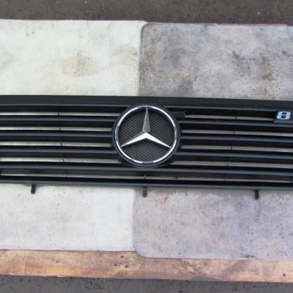 Решетка Mercedes Vario