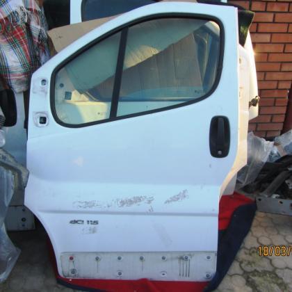 Дверь передняя Renault Trafic Opel Vivaro Nissan Primastar