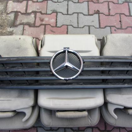 купить Решетка передняя mercedes sprinter 903 в Украине