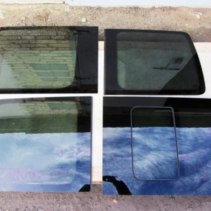 купить Оригинальные боковые стекла vw caddy форточка в Украине