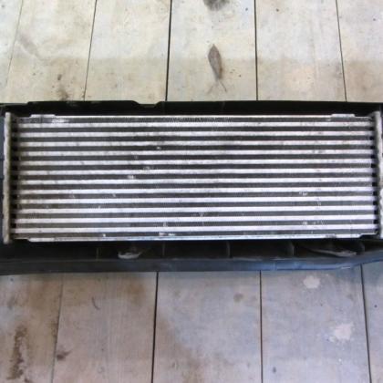 Радиатор интеркулера  opel vivaro renault trafic 2.0