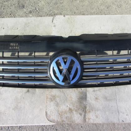 Решетка радиатора передняя VW T5 Transporter
