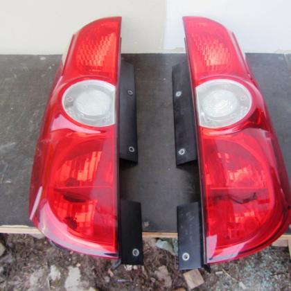 Фонарь задний Fiat Doblo Opel Combo (Стоп задний)