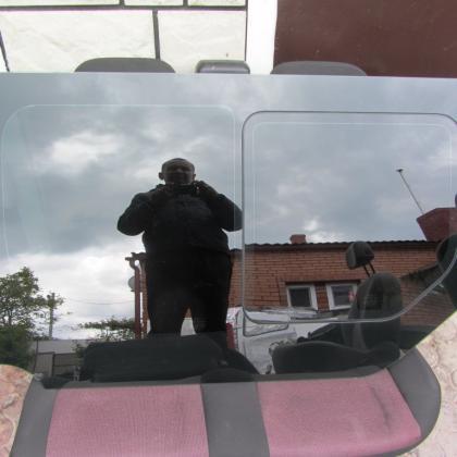Стекло форточка Renault Trafic Opel Vivaro 2001-2013